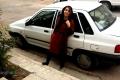 Mina a její Peugeot 305