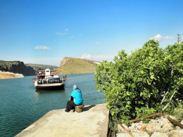 Přívoz přes řeku Eufrat cestou do Diyarbakiru
